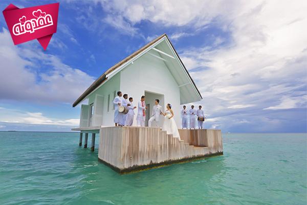 عروسی روی آب